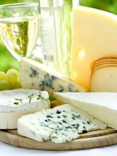 9 les fromages les 10 aliments les plus riches en prot ines nutrition. Black Bedroom Furniture Sets. Home Design Ideas