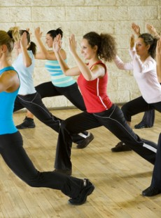 les-3-sports-tendance-du-moment-melent-danse-fitness-bokwa-bolly-aerobic-bollywood-schbam-01133249