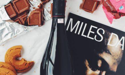 Maigrir en buvant du vin rouge et en mangeant du chocolat. Vraiment sain ?