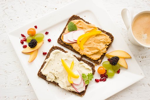 5 petits déjeuners rapides et équilibrés pour personnes occupées