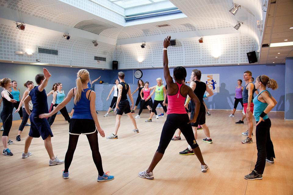 La Gym Suédoise: un sport joyeux et complet pour transpirer de plaisir