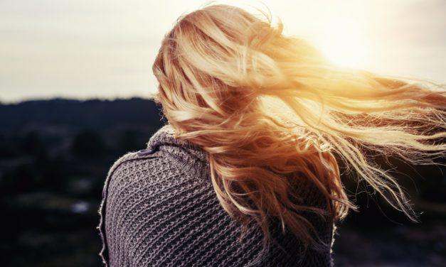 Beauté: Nos conseils pour prendre soins de cheveux après l'été
