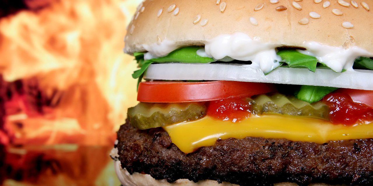 Manger au fast-food sans craindre pour sa ligne, c'est possible ?