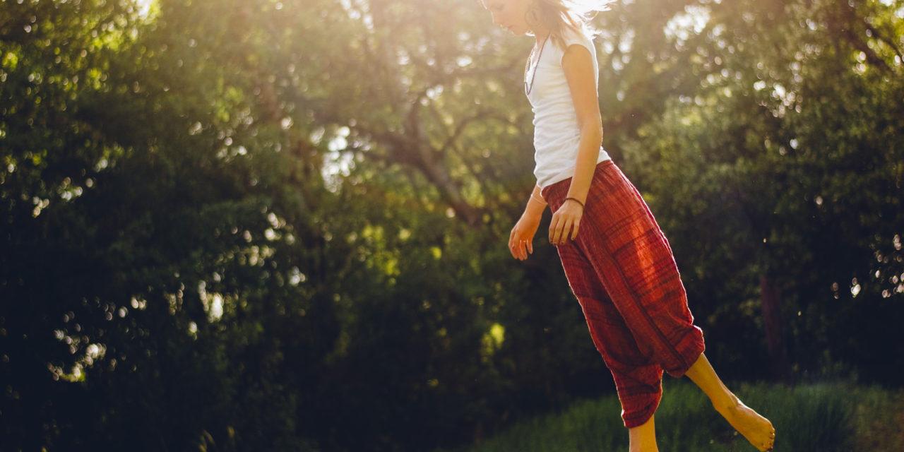 Manque d'équilibre ? 4 exercices à faire chez soi