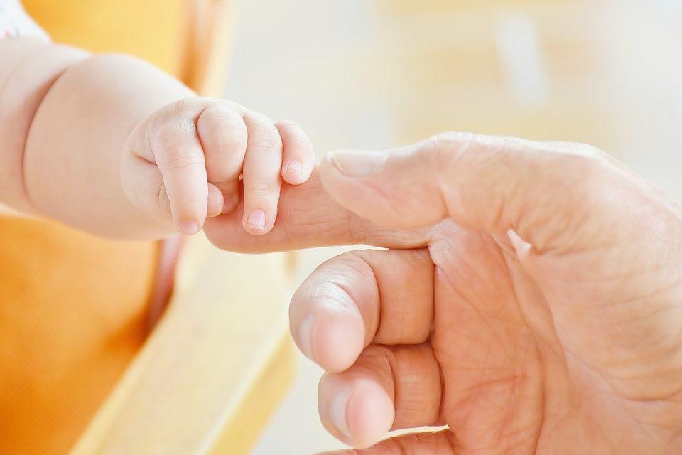Le thermomètre connecté, pour suivre la santé de bébé