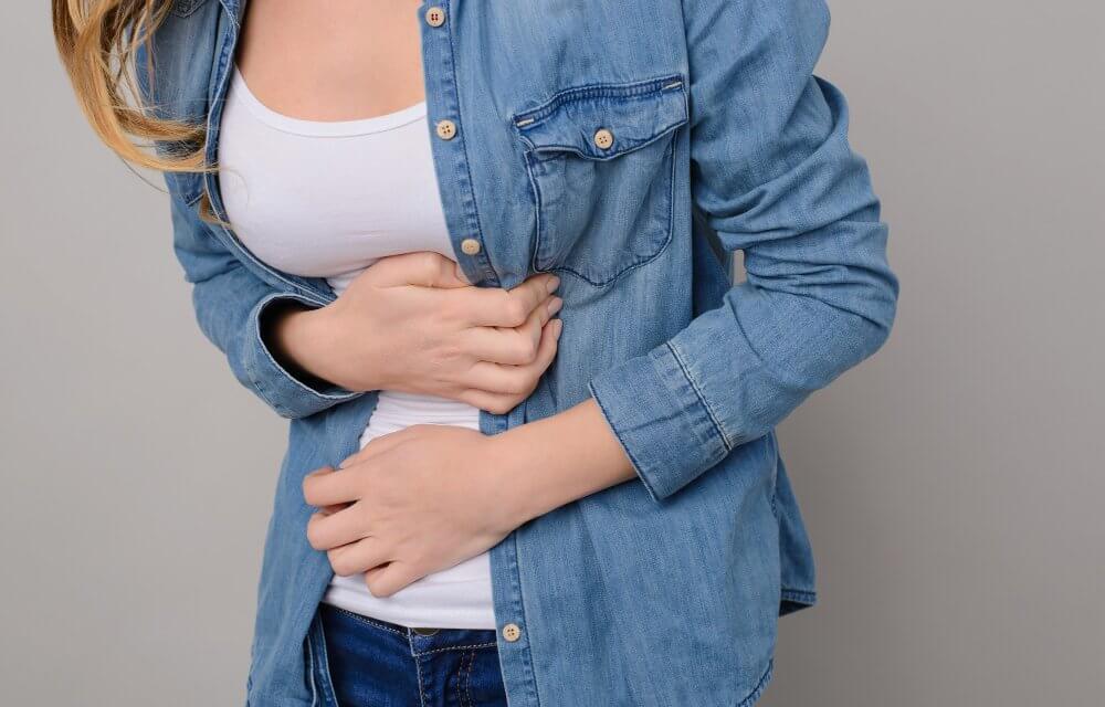 Se tourner vers l'étiopathie pour soigner troubles digestif, ballonnements et remontées acides